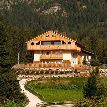 Alberghi e strutture ricettive in legno Woodbau