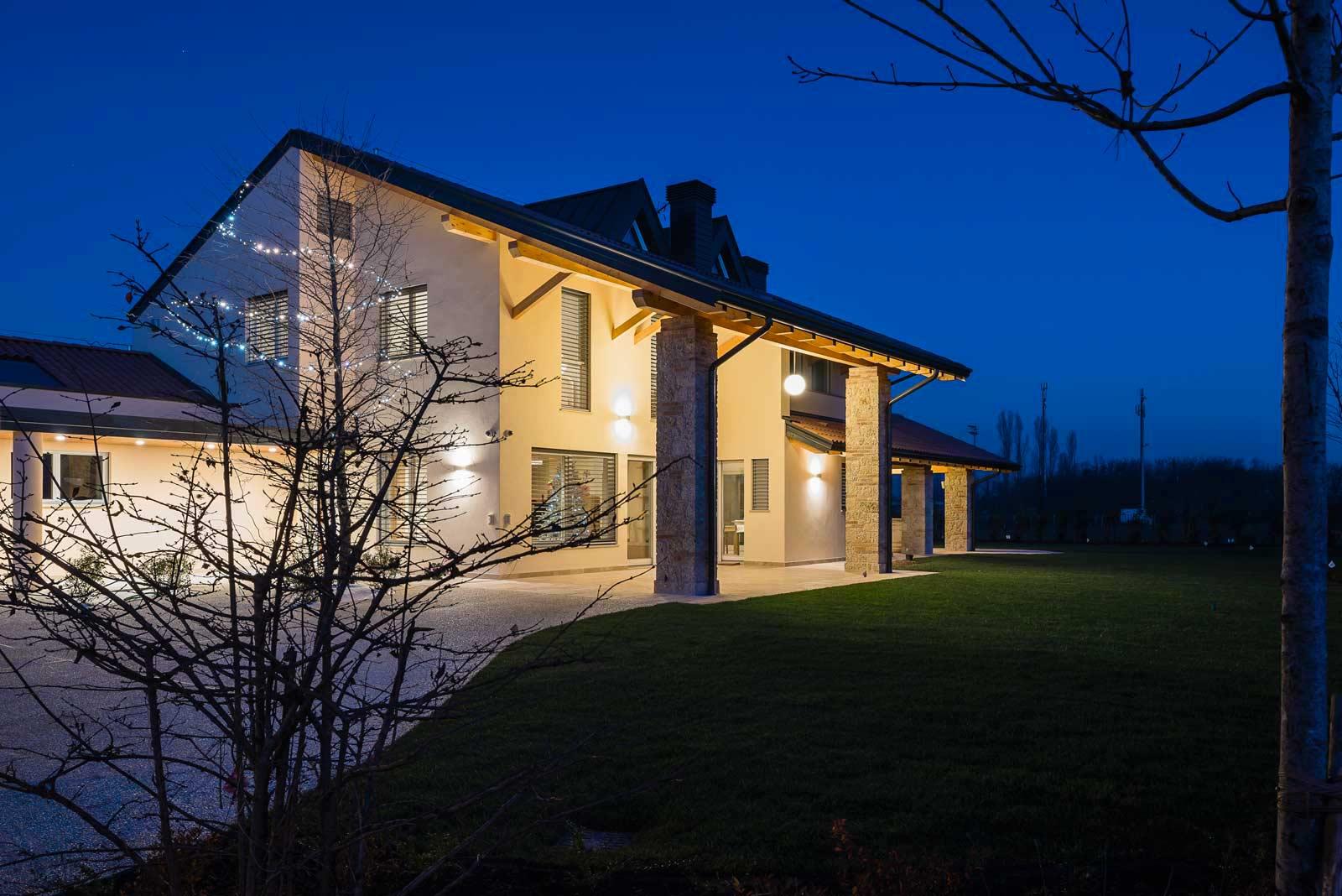 Casa dal design moderno Woodbau Longarone