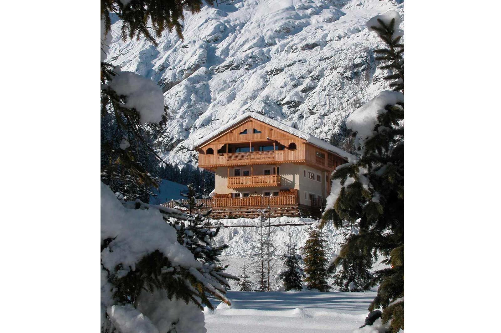 Hotel ecosostenibile in Zoldo Woodbau Longarone