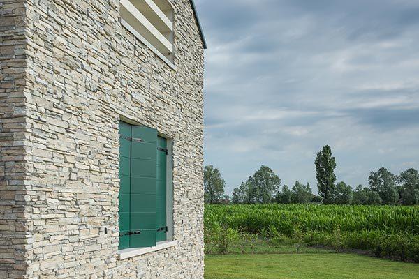 Parete esterna in pietra Woodbau Longarone