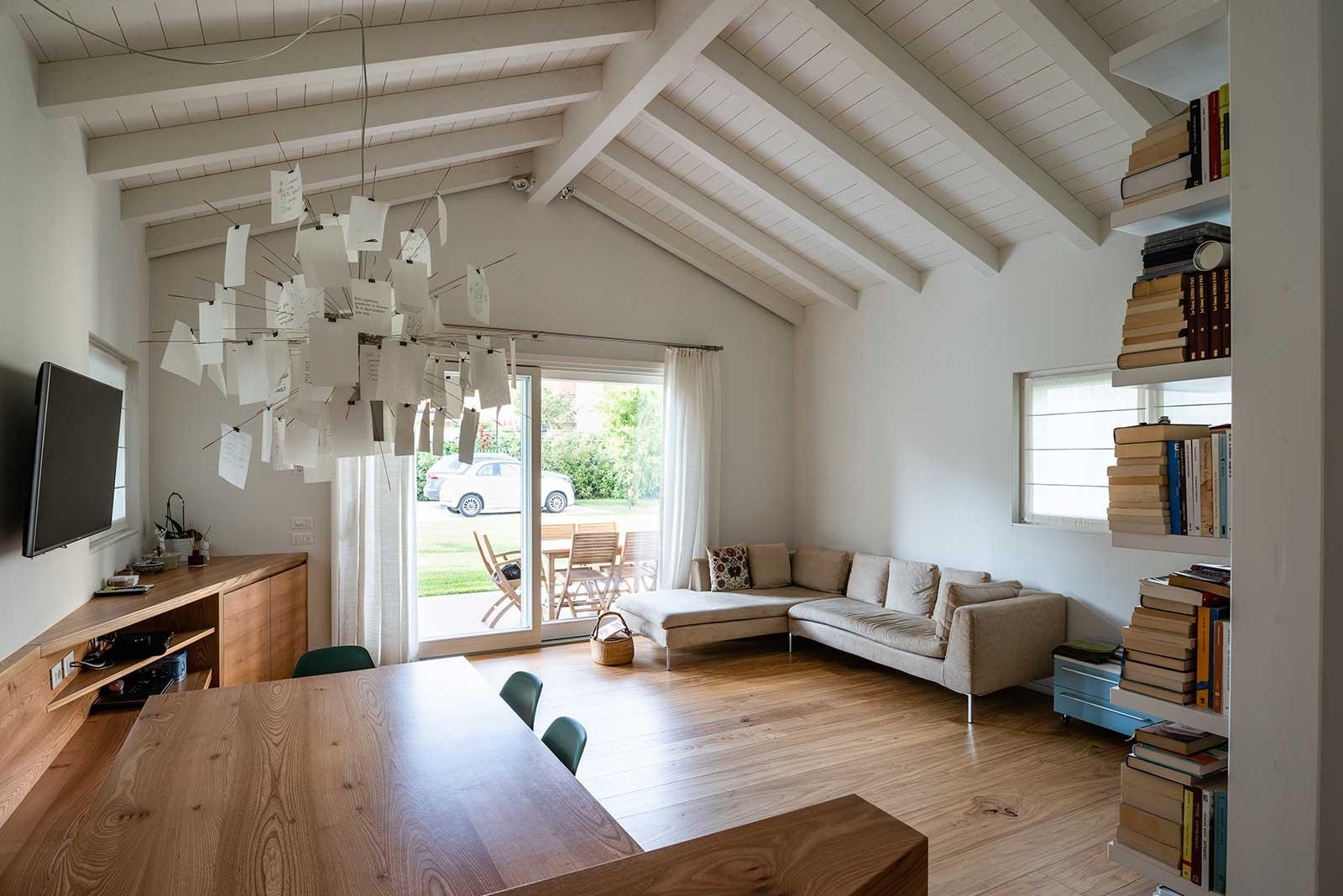 Casa in legno a due livelli Woodbau